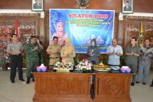 Bupati Karanganyar, Rina Iriani merayakan ulang tahun ke-51 tahun, di Pendopo Rumah Dinas Bupati Karanganyar, Senin (03/06)