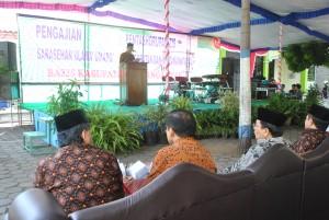 Sekretari Daerah (Sekda) Kabupaten Karanganyar, Samsi saat membuka sarasehan basiz, di Komplek Masjid Agung Karanganyar, Sabtu (29/06)