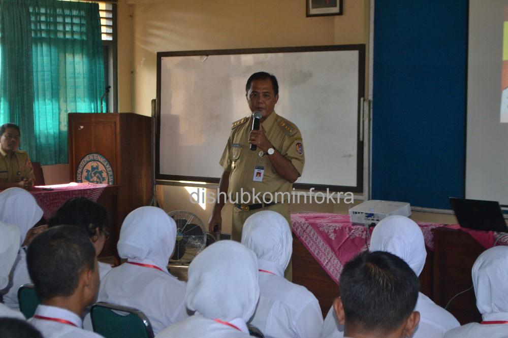 Bupati Karanganyar Juliyatmono saat memberikan ceramah umum di depan peserta diklat prajabatan