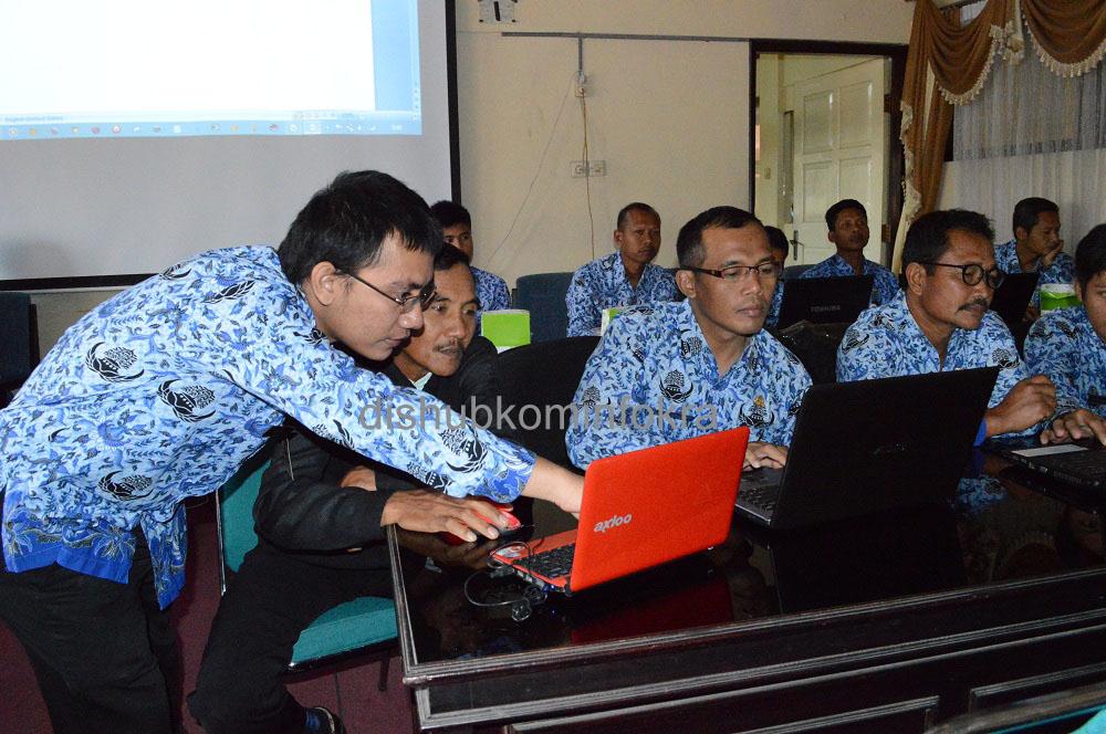 Perangkat Desa Dituntut Bisa Gunakan Teknologi
