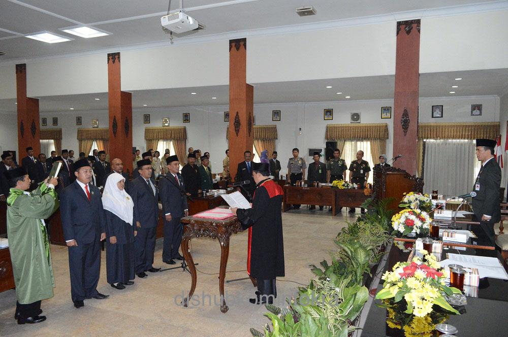 Empat Pimpinan DPRD Diambil Sumpah
