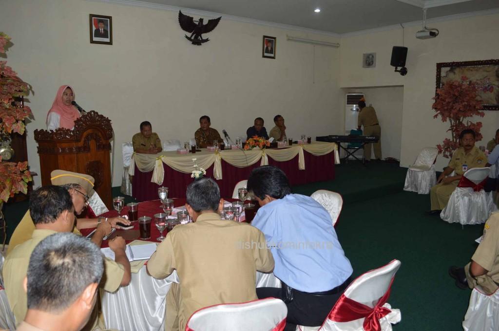 Tim Pemeriksa dari Badan Pemeriksa Keuangan (BPK) Perwakilan Provinsi Jawa Tengah saat diterima oleh Bupati Karanganyar Juliyatmono, Senin (26/01) kemarin.