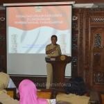 Bupati Karanganyar Juliyatmono saat memberikan pengarahan ke sejumlah pejabat untuk mengisi LHKPN, Selasa (19/05)