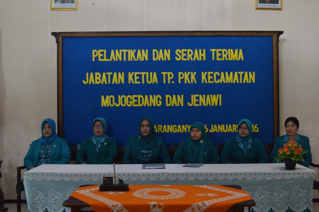 Pelantikan Dan Serah Terima Jabatan Ketua TP.PKK Kecamatan Mojogedang Dan Jenawi