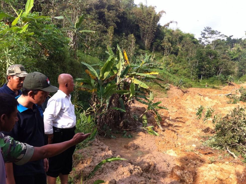 Longsor Karangpandan, Wakil Bupati Karanganyar Datangi Lokasi