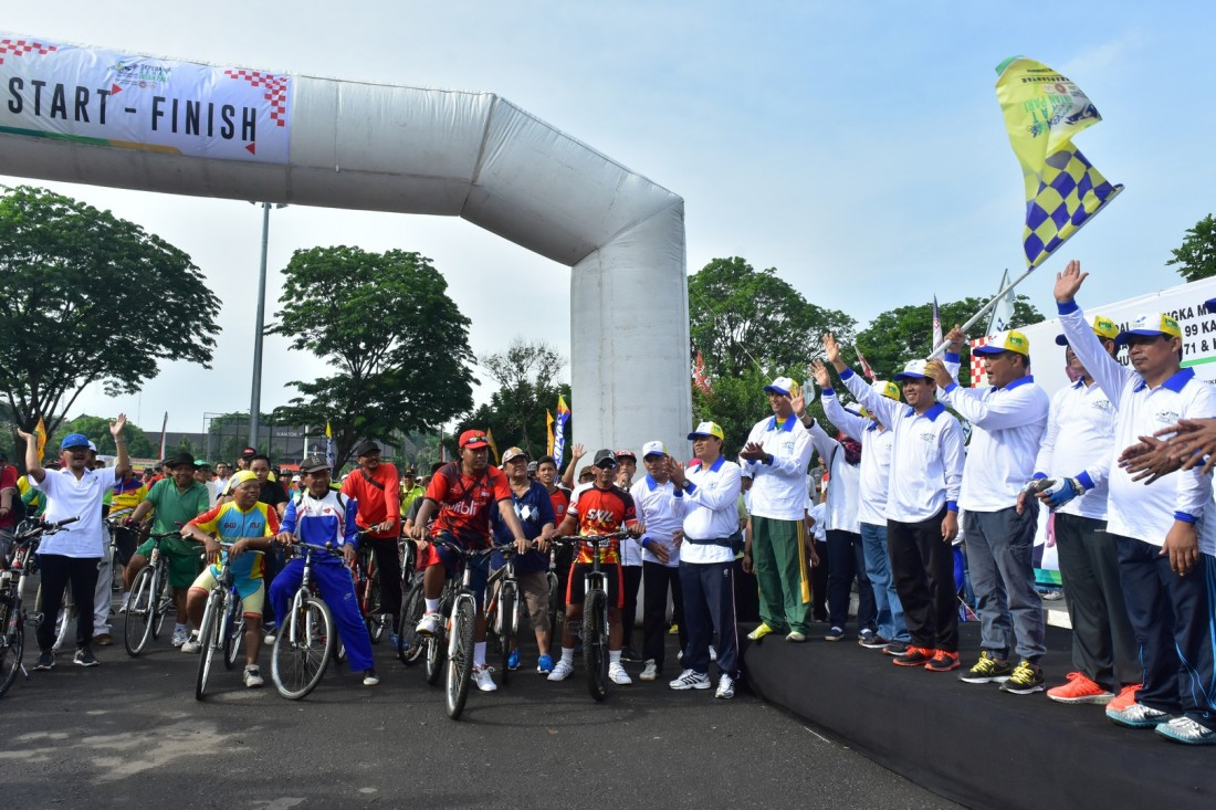 Ribuan Peserta Ramaikan Sepeda Sehat Intanpari