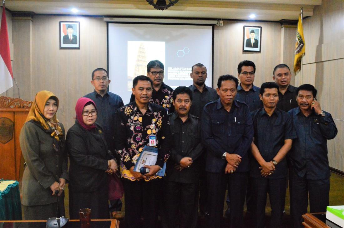 Asisten Pemerintah Karanganyar Menerima Kunjungan Kerja Pansus 1 DPRD Kabupaten Paser