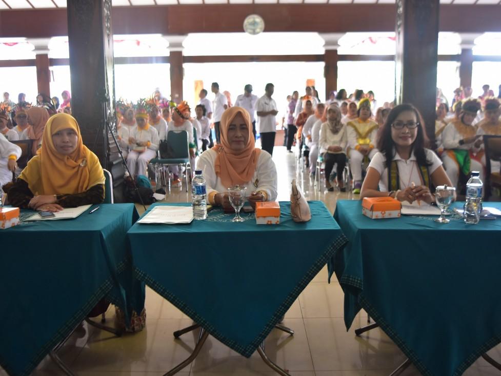 Jelang HUT Ke-18, DWP Kabupaten Karanganyar Adakan Lomba Gemu Famire