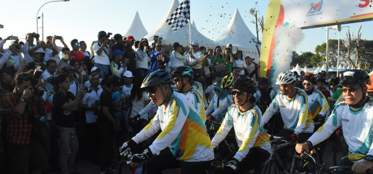 Menteri BUMN dan Menteri PAN RB Fun Bike di Colomadu