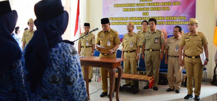 131 Pegawai Honorer Terima SK Pengangkatan PNS