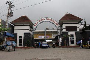 Kabupaten Karanganyar Pasar Wisata Tawangmangu