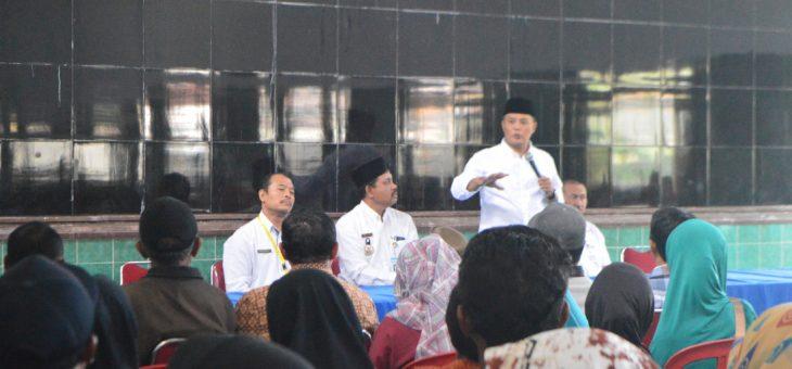Penyerahan Sertifikat Program Pendaftaran Tanah Sistematik Lengkap (PTSL)