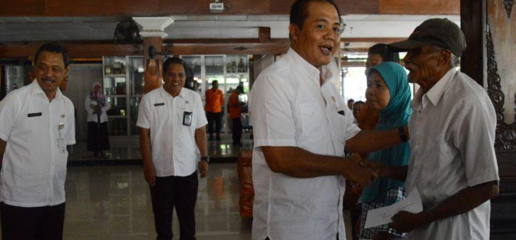 Pemberian Bantuan Sosial dan Keuangan Kepada Korban Bencana Alam