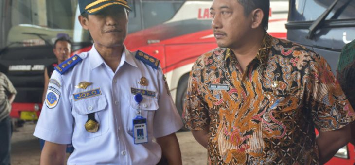 Wakil Bupati Cek Kesiapan Armada Bus P.O Rosalia Indah Jelang Lebaran