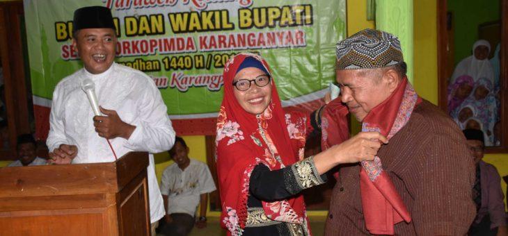 Tarling di Desa Salam, Bupati Karanganyar Beri Reward Kepada Seorang Ibu Yang Berhasil Khatam Al-Qur'an