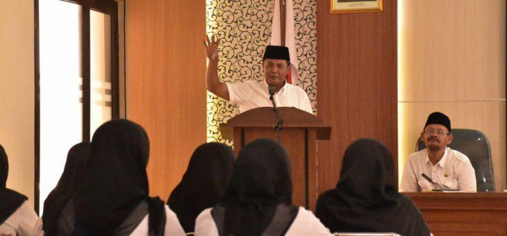 Penerimaan SK PNS Kepada 27 Bidan Desa Pegawai Tidak Tetap (PTT)