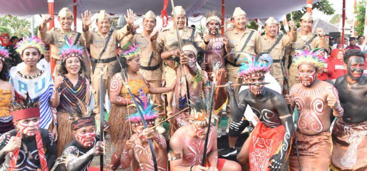 Warga Papua ikut 'Unjuk Gigi' Dalam Karnaval Pembangunan di Karanganyar