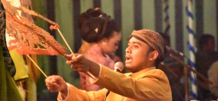 Wayangan Dengan Lakon Ponco Driyo Lair Dibawakan dalang Muda Halintar Cokro