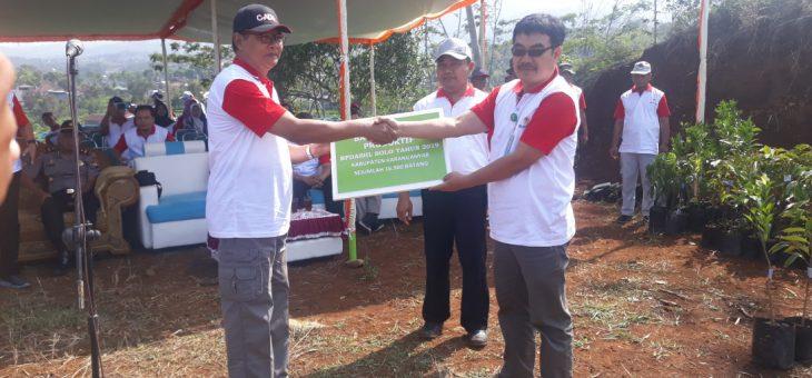 Penanaman Pohon Sebagai Pemulihan DAS di Kabupaten Karanganyar