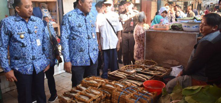 Sidak Pengecekan Kebutuhan Pokok Masyarakat Di Pasar Matesih Dan Pasar Jungke