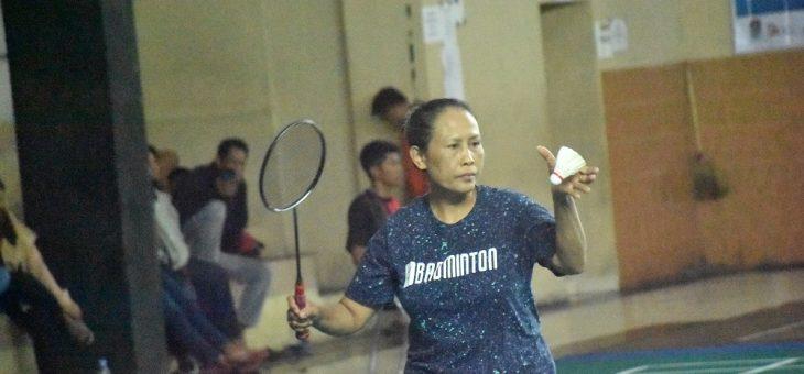 Pertandingan Bupati vs Wakil Bupati di Pembukaan Kejuaraan Bulutangkis Dalam Rangka Hari Ibu ke-91