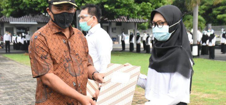 244 CPNS Dilantik di Halaman Setda, Bupati Ingatkan Yen Pengin Sugih Bukan di PNS