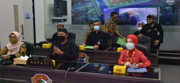Bupati Karanganyar Ikuti Rilis Bersama Data Kependudukan 2020 Dalam Satu Data Indonesia.