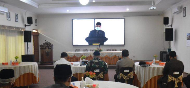 Bupati Ikuti Pengajian Isra Mi'roj Dengan Gubernur Jateng Secara Virtual